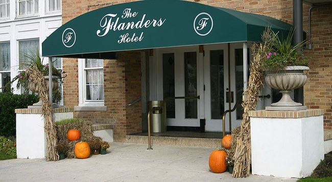 Norovirus outbreak at Flanders Hotel wedding